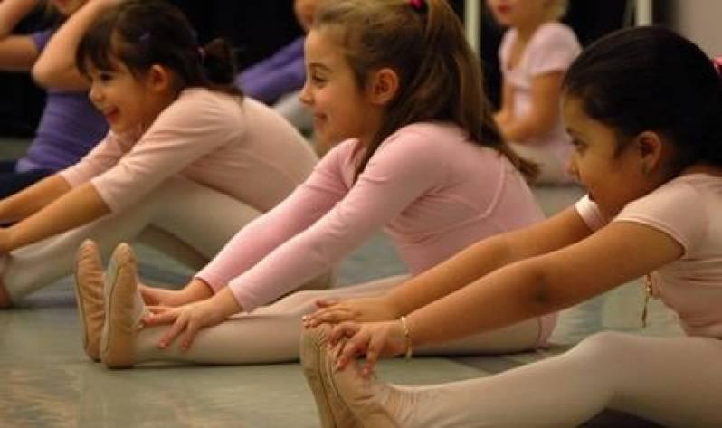 Aula de Ballet em Academia Preço Barão Geraldo - Academia com Aula de Zumba