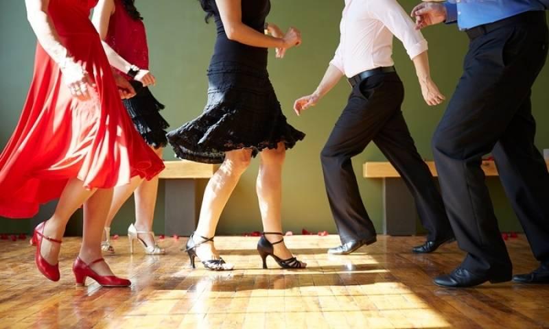 Aula de Dança de Salão em Academia Preço Barão Geraldo - Aula de Dança para Emagrecer