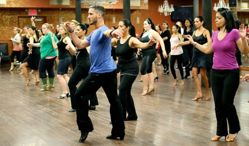 Onde Encontrar Aula de Dança para Emagrecer Barão Geraldo - Academia com Aula de Dança de Salão