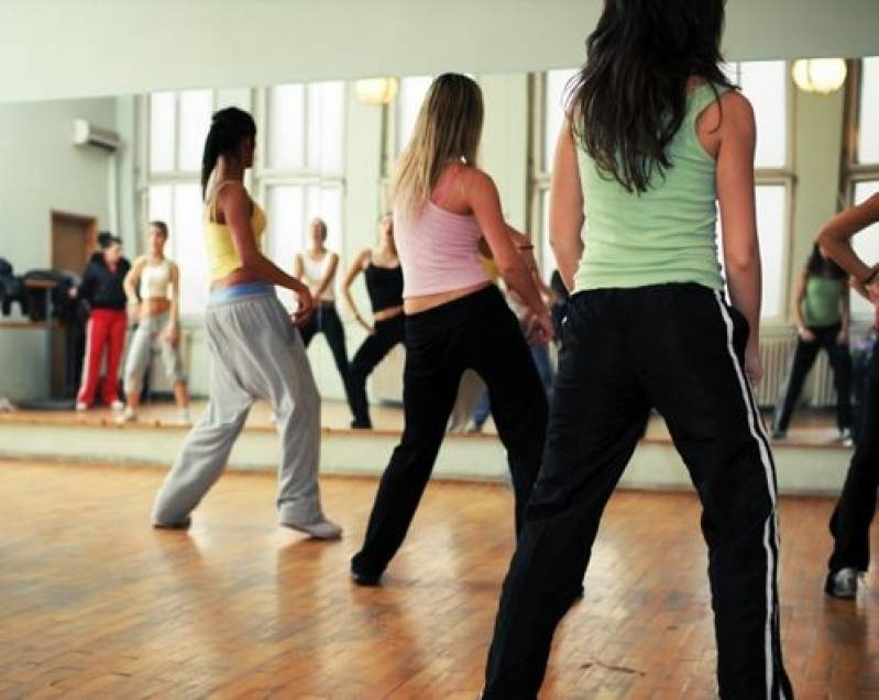 Onde Encontrar Aula para Dança de Salão Campinas - Academia com Aula de Zumba