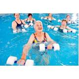 aula de hidroginástica para idoso