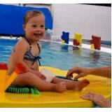 aula de natação para deficiente físico